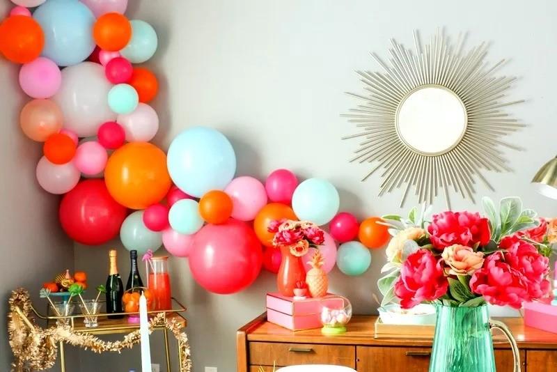 Праздничные декорации и украшения из воздушных шаров